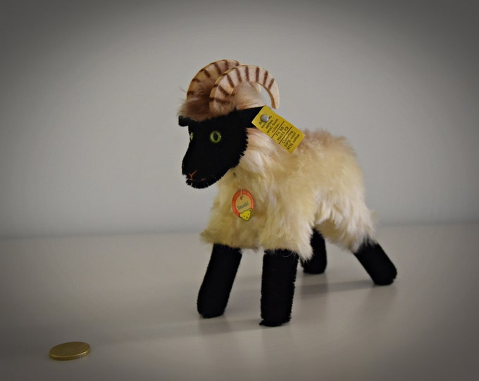 Vintage original Steiff Snucki Mountain Sheep/Ram/Mohair/+ button in earpiece, label and chest label/3500/17