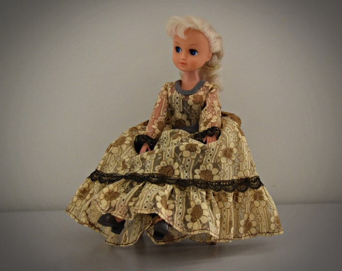 Vintage outfit Sindy Pedigree Premiere Girl + matching Brown Shoes/1979/# 44297/Sindy faschions/Collectors Item