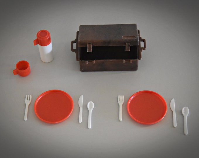 Vintage Sindy Pedigree picnic set / 1977 / Scenesetters / Collectors item / complete