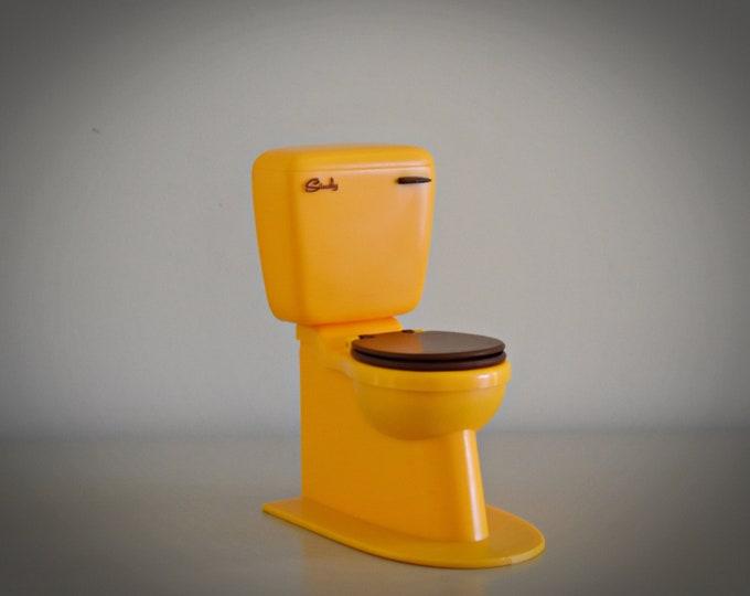 Vintage Sindy Pedigree Toilet / # 44551 / Bathroom furniture from Sindy doll / Orange and brown plastic