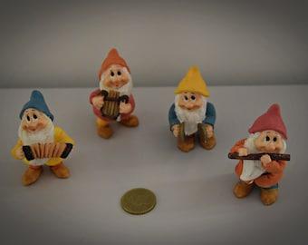 Vintage Miniature Figurines/4-piece set/musicians/goblins/Years ' 80