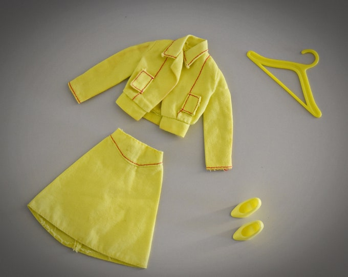 Vintage outfit Barbie Busy Get Going (Jacket, skirt and matching shoes) / Mattel / #7242 / 1975