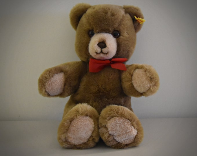 Vintage original Steiff Teddy Original / 0205/26 - cute bear / + button in earpiece and yellow label present / 80s