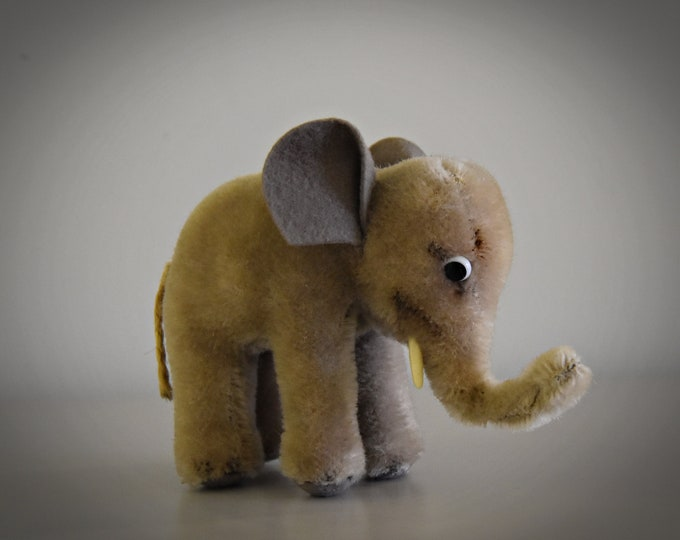 Vintage original Steiff Trampy / cute baby elephant / Mohair / button in earpiece, label and breast label missing / 60s