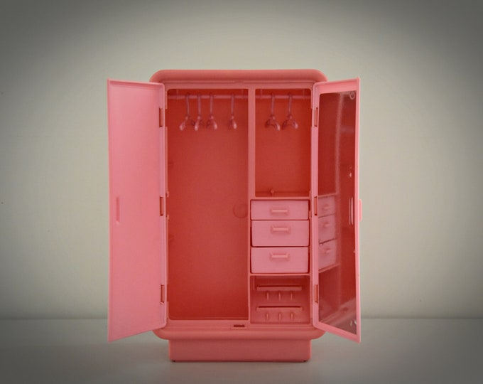 Vintage Mattel Barbie Dream Furniture Collection Armoire nr 2471 with 6 coat hangers / pink