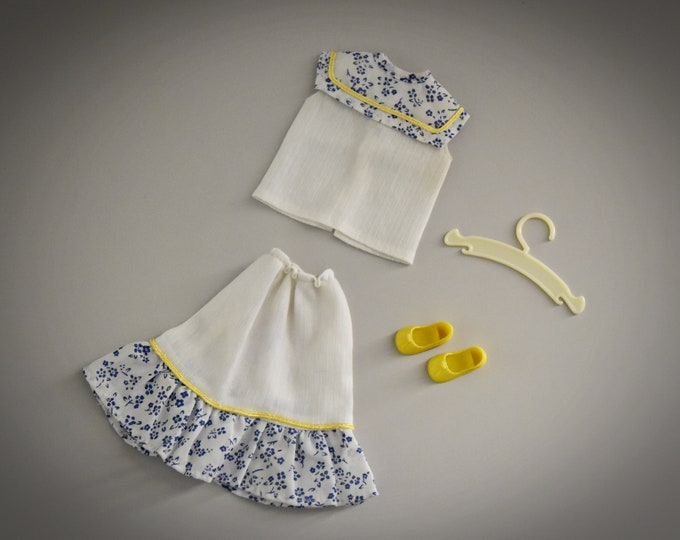 Summer vintage outfit Sindy Pedigree / Matching Skirt and Top + matching yellow shoes and coat / #44004 / 1983