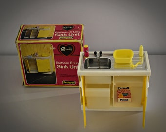 Vintage Sindy Pedigree Sink Unit/Part Kitchen + Accessories/in original box/NR 44548