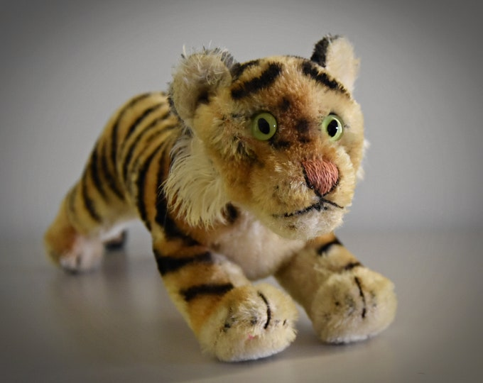 Vintage original Steiff Running Tiger / large copy ± 38cm (15 Inch) / Mohair / button in earpiece, label and breast label are missing