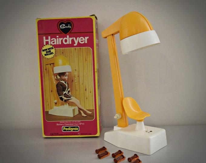 Vintage Sindy Pedigree Hairdryer + 6 curlers / bathroom furniture from Sindy 44524 / Original box / Orange plastic / Collectors item