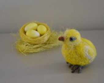 Handmade needle felt chick/Easter/miniature/felt sculpture/felted chick/needlefeltart/Merino wool/felted animal