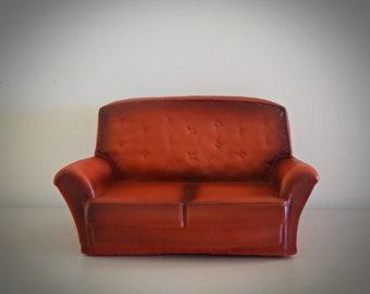 Vintage Sindy Pedigree red Settee / luxury seat / Sindy / Art. No. 44522