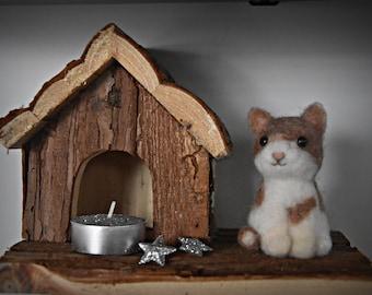 Miniature needle felt kitten/felt kitten/Mini sculpture/pets/cat Lover Gift