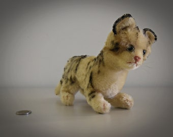Vintage original Steiff Tabby Kitten / Mohair / button in earpiece, label and chest label missing / 50s
