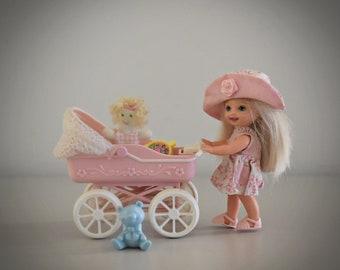 "Vintage Barbie Little Sister Kelly ""Tiny Steps"" + Accessories / #2226 / Mattel / 1998"