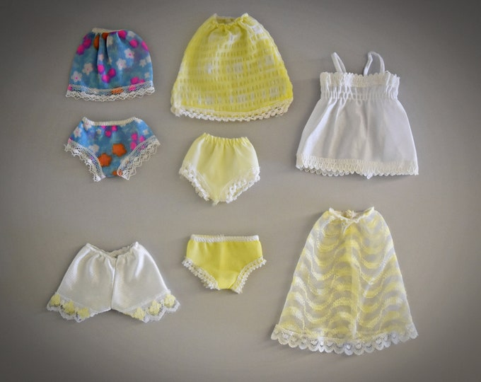Beautiful lot vintage lingerie Sindy Pedigree / Mix of different sets and years : see description