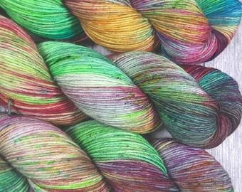 01 Solotänzer - MAIA, 100% Merino superwash - 400m/100g - hand dyed yarn