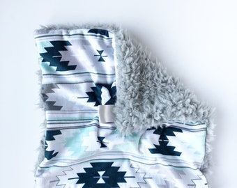AZTEC BLUES >> baby boy blanket, baby girl blanket, soft cuddle blanket, minky blanket, stroller blanket, faux fur blanket, pla