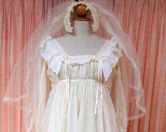1975 Creeds 'One of a Kind' Wedding gown with Headdress