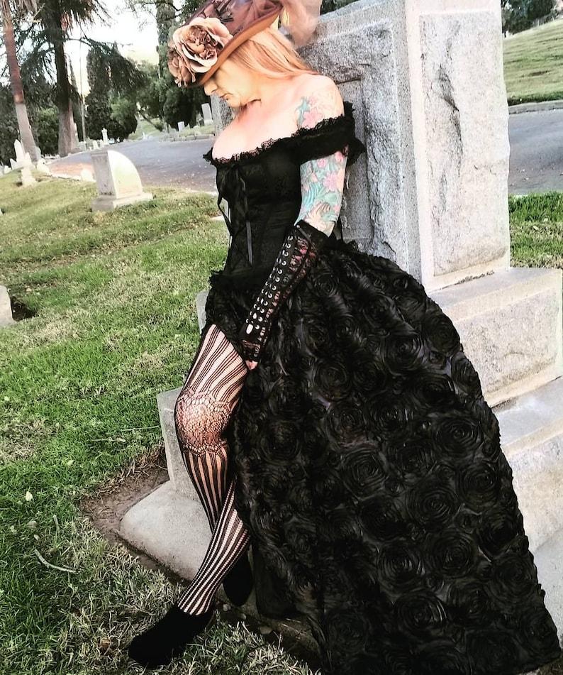 Steampunk Dresses   Women & Girl Costumes Steampunk Victorian Black Rosetta Skirt Cosplay Wedding Halloween $59.99 AT vintagedancer.com