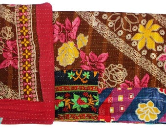 Antique Patches Handmade Kantha Quilts/Throws Hand Embroidered Kantha Bedspread, Vintage kantha quilts