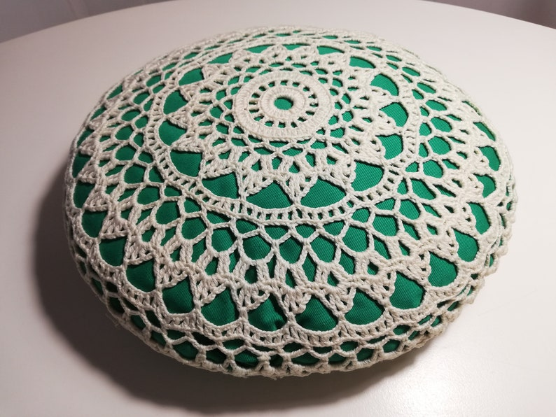 Round Crochet pillow