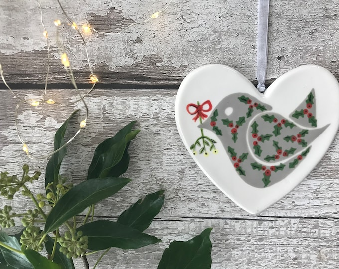 Hand painted Heart - Holly bird with Mistletoe - heart, christmas, friend, christmas decoration, christmas ornament, gift