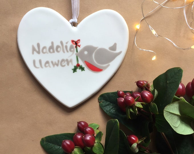 Hand painted Ceramic Heart - Nadolig Llawen Robin with holly, welsh for happy christmas, christmas gift, christmas decoration, heart, orname