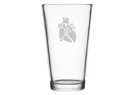 Anatomisch korrekte Herz geätzt Bier/Wein Glas Kardiologe