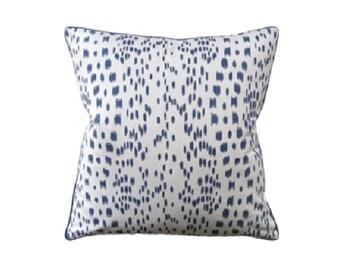 """Les Touches Pillow, 22"""" x 22"""""""