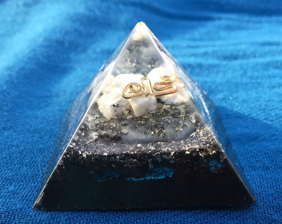 Truth Seeker's Orgone Pyramid- Moonstone Orgone Energy Pyramid- For Mental Clarity/ Higher Psychic Abilities- Ancient Aliens Pyramid