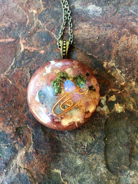 Carbonumdum EMF Protection Orgone Energy Pendant- Healing Energy Orgonite® Necklace- Sacred Feminine Orgonite®- Love Attraction Orgone