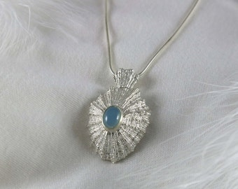 Shell pendant set with a spinel/Pendant sterling silver/Silver jewelry/Spinel