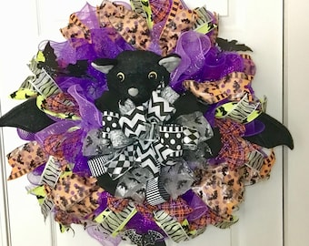 Halloween Bat Wreath / Halloween Bat / Deco Bat WreathBat Wreath, Halloween Door Decor, Front Door Decor, Fall Wreath, Autumn Wreath, Hall
