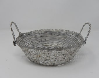 Handmade basket made with wire