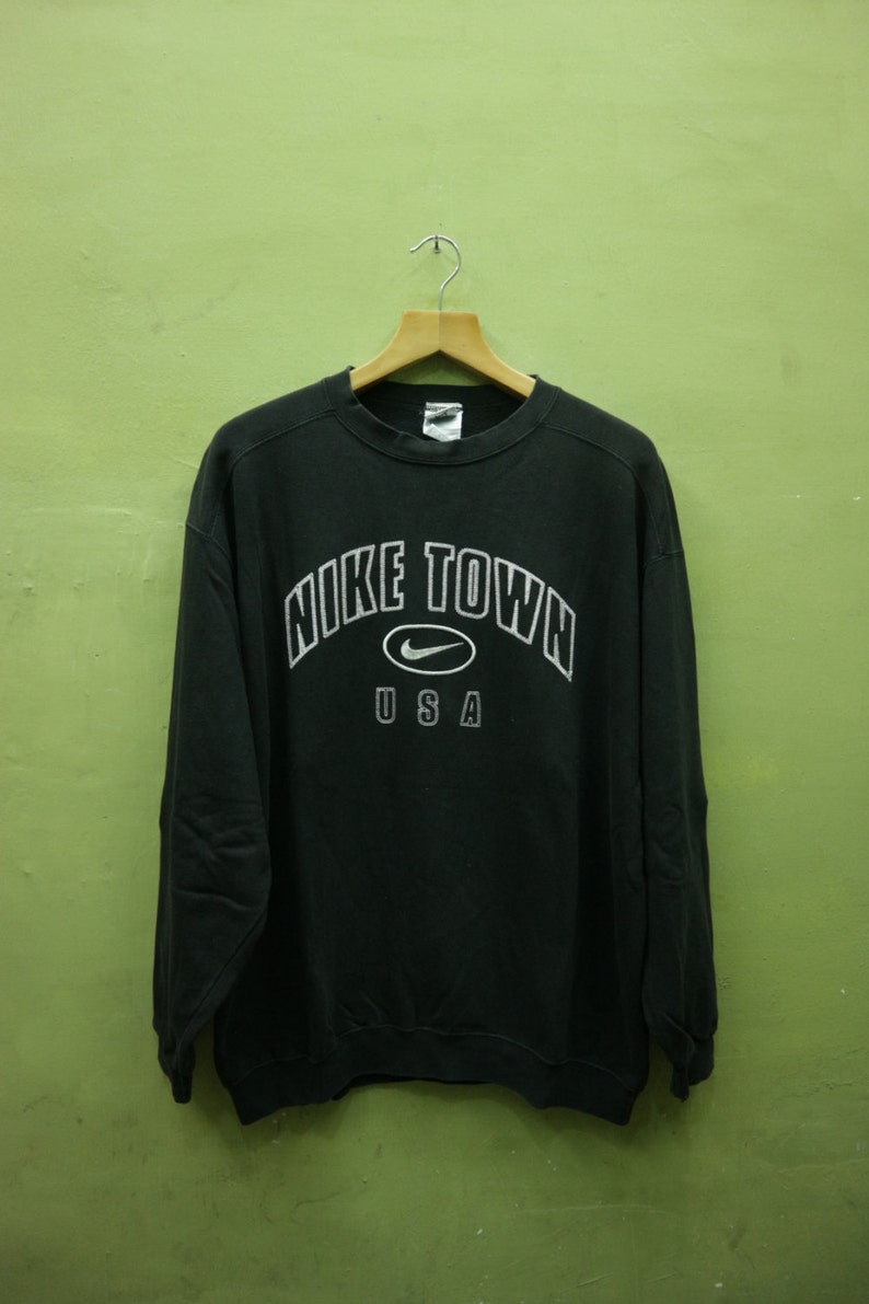 32f641d28c73f Vintage Nike Town USA Sweatshirt Embroidery Big Spell Out Sportswear  Crewneck Streetwear Hip Hop Sweater Made In USA Size L