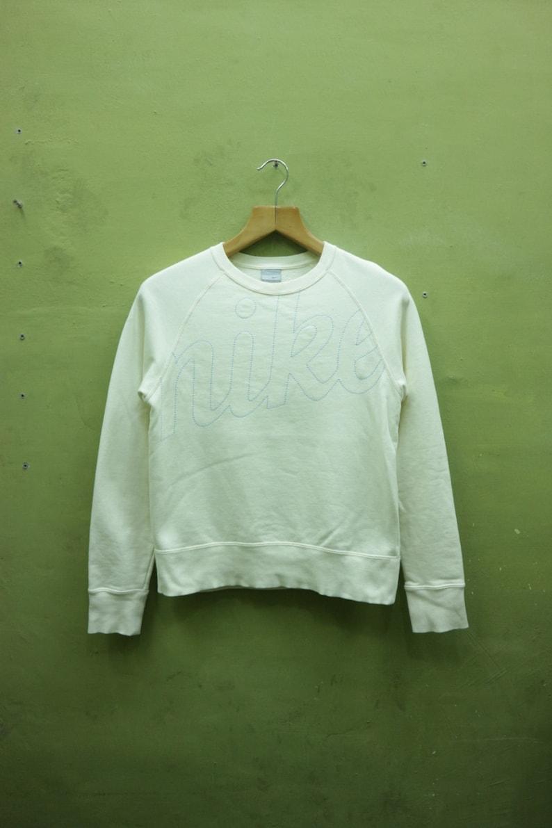 ea5135d2f9118 Vintage Nike Sweatshirt Embroidery Logo Sportswear Pullover Crew Neck  Streetwear Sweater Size M