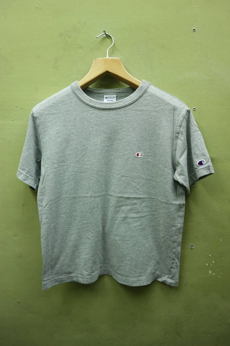 9403cec292fa3 Vintage Champion Shirt Embroidery Logo Sportswear Streetwear Top Tee T  Shirt Size M