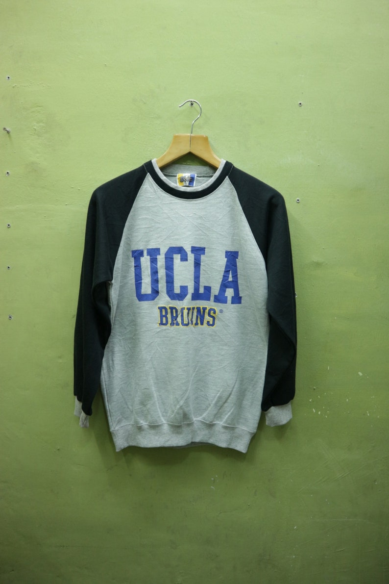best sneakers a7324 58198 Vintage UCLA Bruins Basketball Sweatshirt Big Spell Out Streetwear  Sportswear Sweater Grey Color Size S