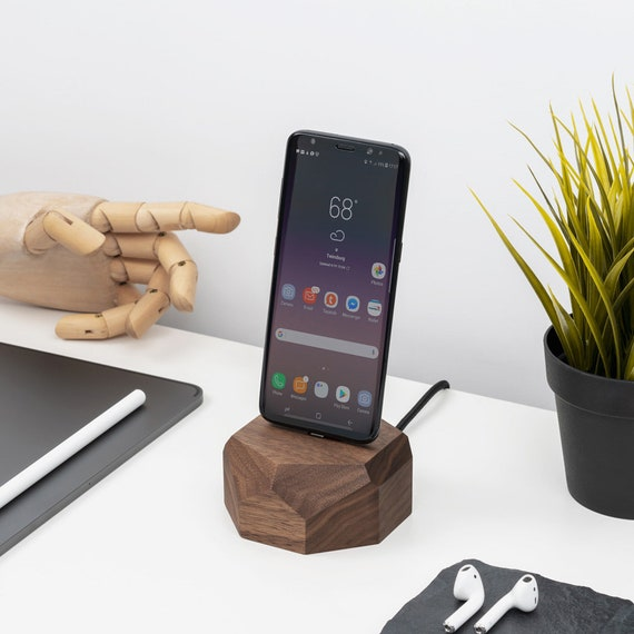 Android wooden dock SamsungHuaweiGoogle charging station