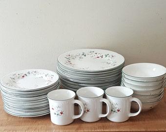 Pfaltzgraff Grapevine Pattern Matches Dinnerware Pottery Plate Bowl Wall Clock