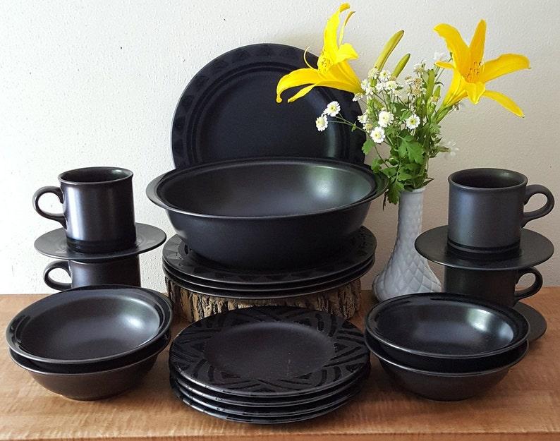 "Pfaltzgraff MIDNIGHT SUN Dinner Plate 10 1//2/"" Black       3 available"