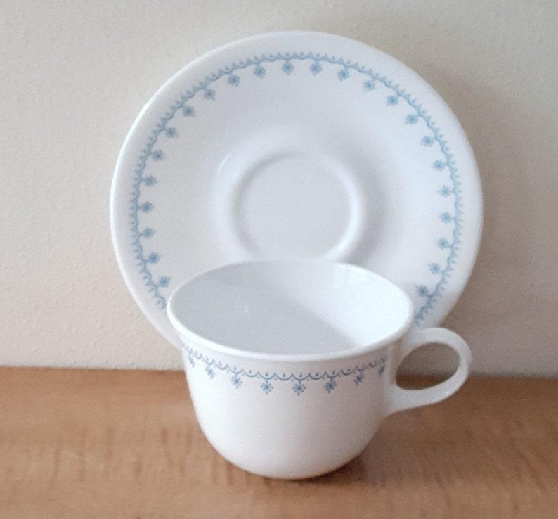 Corelle Snowflake Blue Dinnerware 20 Piece Set for 4
