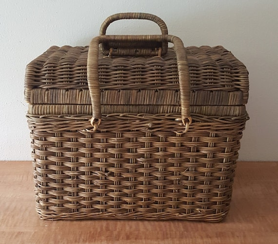 Vintage Wicker Basket/Handles/Lid
