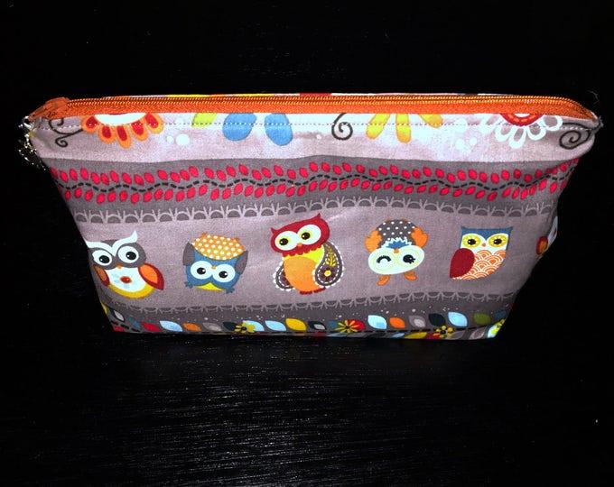 Sale Hooting Around - Wedge Style Zippered Bag
