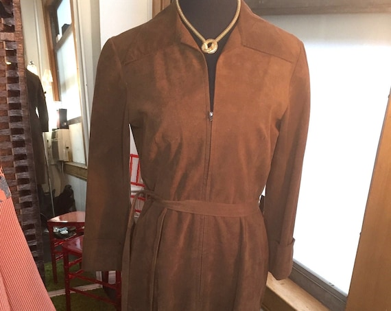 Vintage Dress 1970s Gorgeous Chocolate Brown Ultra Suede   from Mollie Parnis with Pockets