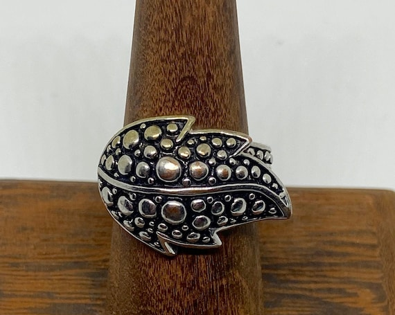 Pretty Silver-Toned Cocktail Ring with Bubble Leaf Motif Size 7