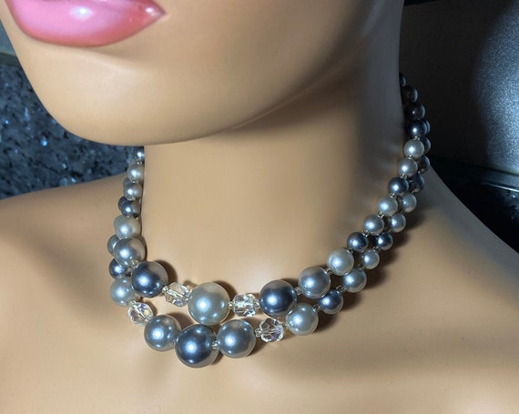 Beautiful Vintage 1960s Silver and Glass Beads Choker Necklace
