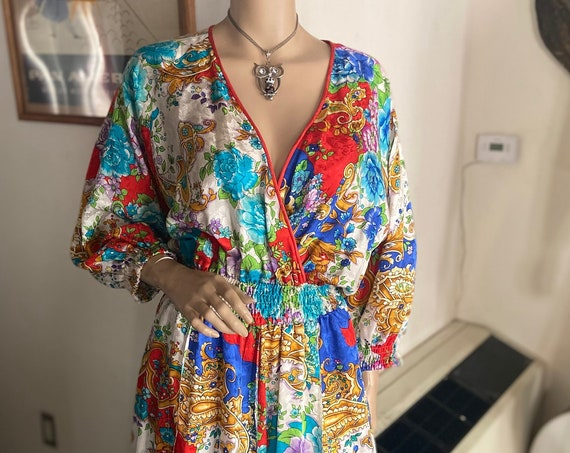 Lovely Diane Freis 100% Pure Silk 1980s Floral Dress from Diane Freis Rare and Collectible