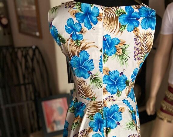 Cute Hawaiian Print Floral Dress in 1950s Style
