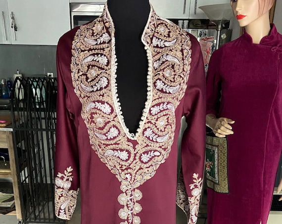 Vintage 1970s Purple Embroidered Boho Gown w Plunging Neckline